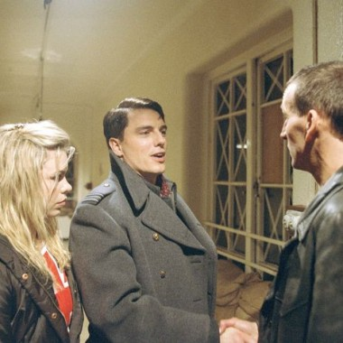 "Rose, Jack, & the Doctor in ""The Empty Child / The Doctor Dances"""