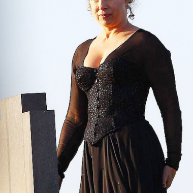 River Song would've looked great in a '30s evening gown.