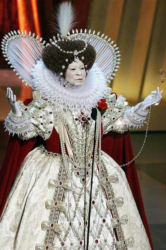 Queen Elizabeth I costume by Bob Mackie.