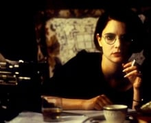 Dorothy Parker in Mrs. Parker and the Vicious Circle (1994)