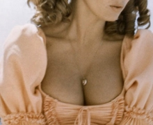 Raquel Welch - Three Musketeers (1973)